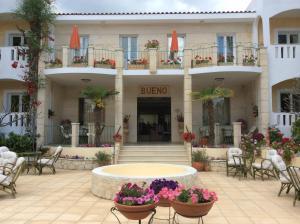 Bueno Hotel, Residence  Platanes - big - 69