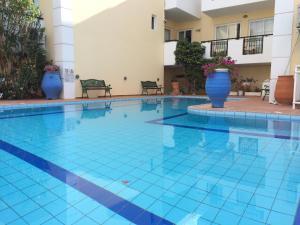 Bueno Hotel, Residence  Platanes - big - 64