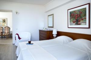Amarilia Hotel, Отели  Афины - big - 19