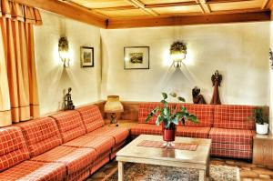 Garni Ingrid, Bed and Breakfasts  Dobbiaco - big - 46