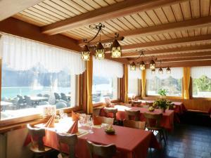 Berghotel Obersee, Hotely  Näfels - big - 14