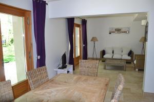 Mas de Capelou Apartment, Ferienwohnungen  Avignon - big - 10