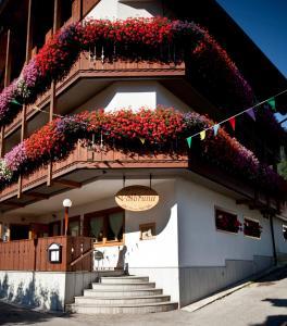 Hotel Valbruna Inn