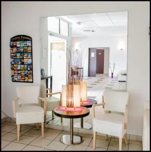 Appart'hôtel - Résidence la Closeraie, Residence  Lourdes - big - 33