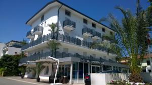 Hotel Gambrinus - AbcAlberghi.com