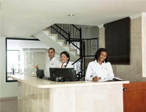 Hotel Maneba, Hotely  Yopal - big - 17