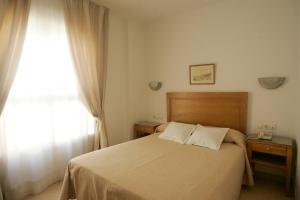 Hotel Goartín, Отели  Малага - big - 28