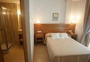 Hotel Goartín, Отели  Малага - big - 25