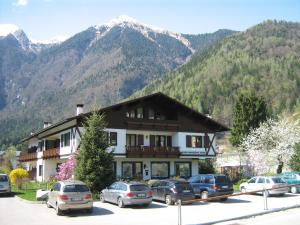 Casa Collini, Apartments  Pinzolo - big - 5
