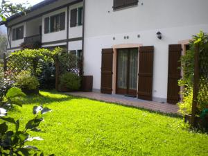 Casa Collini, Apartments  Pinzolo - big - 24