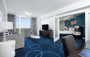 B Enhanced Junior Suite