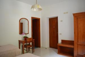 Hotel Maronti, Hotely  Ischia - big - 2