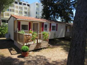 Diana & Josip Mobile Homes, Комплексы для отдыха с коттеджами/бунгало  Биоград-на-Мору - big - 1