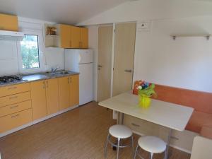 Diana & Josip Mobile Homes, Комплексы для отдыха с коттеджами/бунгало  Биоград-на-Мору - big - 58