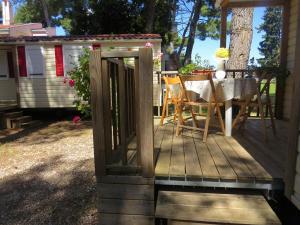 Diana & Josip Mobile Homes, Комплексы для отдыха с коттеджами/бунгало  Биоград-на-Мору - big - 61