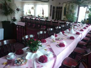 Hotelpension Schwalbennest, Guest houses  Benz - big - 35