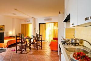 Residence Degli Agrumi, Apartmanok  Taormina - big - 75