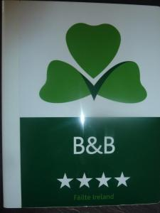 Clondanagh B&B and Farm-on-the-Lake, Bed & Breakfasts  Tulla - big - 54