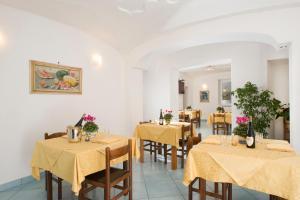 Hotel & Residence Matarese, Hotel  Ischia - big - 48