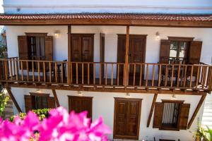 Courtyard, Hotels  Kalkan - big - 45