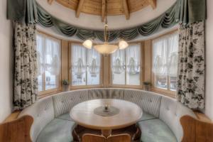Alexander Mountain-Lodge, Ferienhäuser  St. Vigil - big - 2