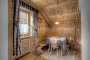 Alexander Mountain-Lodge, Holiday homes  San Vigilio Di Marebbe - big - 9