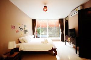 Feung Nakorn Balcony Rooms and Cafe, Hotely  Bangkok - big - 77
