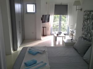 Aspasia House, Bed & Breakfasts  Bozcaada - big - 12