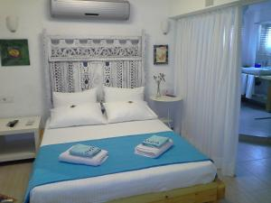 Aspasia House, Bed & Breakfasts  Bozcaada - big - 7