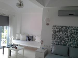 Aspasia House, Bed & Breakfasts  Bozcaada - big - 5