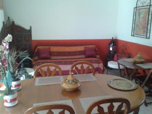 Aux Amandiers, Bed & Breakfasts  Fréjus - big - 24
