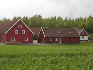 Red Bird Farm, Bed & Breakfasts  Ystad - big - 45