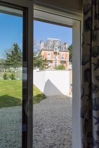 Arromanches Villa Tracy, Affittacamere  Arromanches-les-Bains - big - 39
