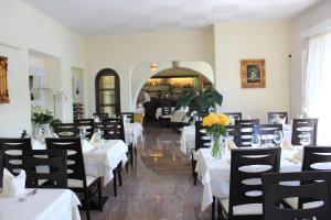 Ristorante Albergo San Martino, Guest houses  Ronco sopra Ascona - big - 32
