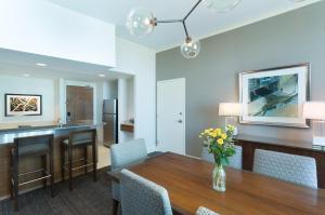 Suite Blue Spruce