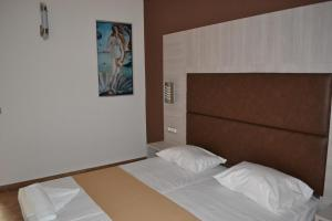 Karavos Hotel Apartments, Aparthotels  Archangelos - big - 20