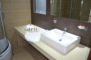 Karavos Hotel Apartments, Aparthotels  Archangelos - big - 18