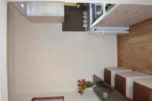 Karavos Hotel Apartments, Aparthotels  Archangelos - big - 11
