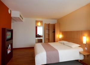 Ibis Warszawa Reduta, Hotely  Varšava - big - 3