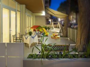 Hotel Nives, Hotely  Riccione - big - 31