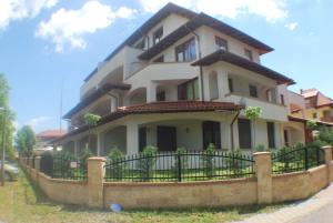Sekli Premium, Appartamenti  Balatonlelle - big - 1