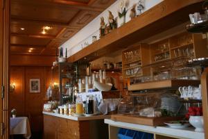 Hotel Strand Cafe Meersburg, Hotel  Meersburg - big - 49