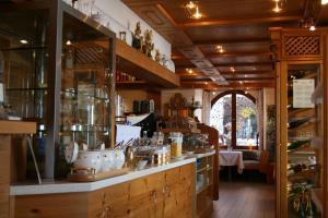 Hotel Strand Cafe Meersburg, Hotel  Meersburg - big - 48
