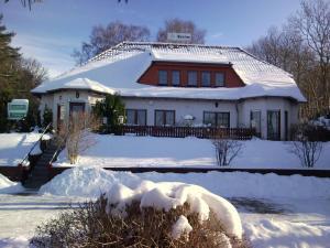 Hotelpension Schwalbennest, Guest houses  Benz - big - 39