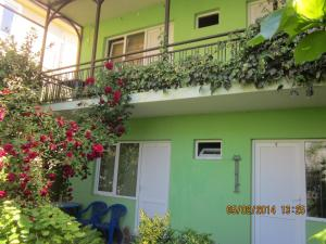U Silvi Guest House, Guest houses  Adler - big - 48