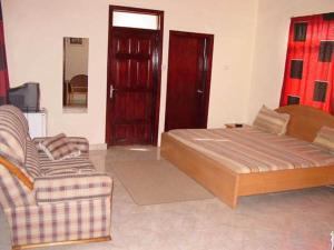 Gussys Hotel Ltd, Hotels  Tema - big - 34