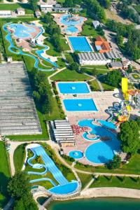 Happy Camp Mobile Homes in Camping Terme Catež