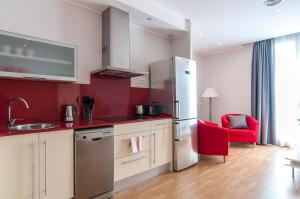 Deluxe Two-Bedroom Apartment H3