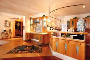 Landhotel Jäger TOP, Hotel  Wildermieming - big - 24