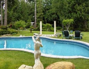 Arcadia Romantic Getaway and Clothing-Optional Resort
